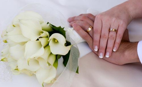 عروس إماراتية تطلب درهماً كمهر..