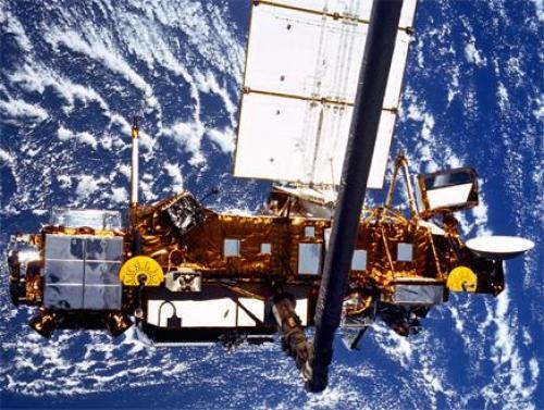 """""""ناسا"""" تعلن دخول القمر الصناعي """"UARS"""" الغلاف الجوي للأرض Image"""