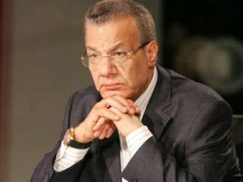 الصحفي المصري عادل حمودة: الرسول ليس مواطناً مصرياً حتى تتحرك السفارة للدفاع عنه - في